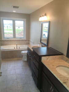 His/hers vanities with whirlpool tub