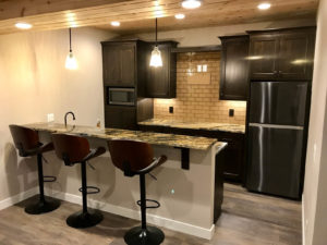 Lower level bar - 2017 Parade of Homes